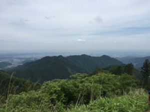 景信山烽火台から八王子城方面